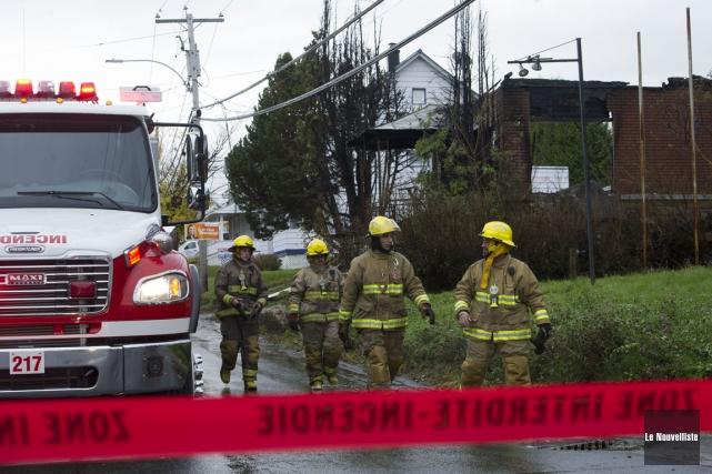 Un incendie a fait trois morts, jeudi, à... (Stéphane Lessard, Le Nouvelliste)