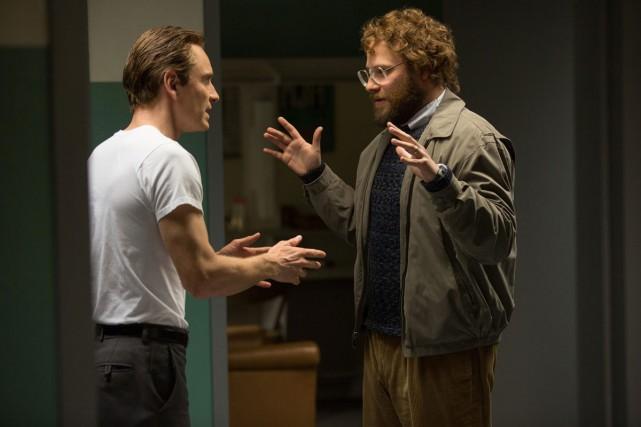 Michael Fassbender et Seth Rogen dans Steve Jobs.... (PHOTO FOURNIE PAR UNIVERSAL PICTURES)