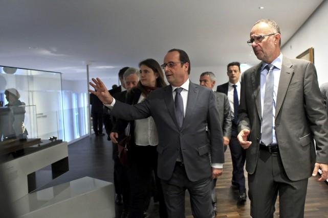 Le président François Hollande a célébré jeudi «l'unité... (PHOTO REUTERS)