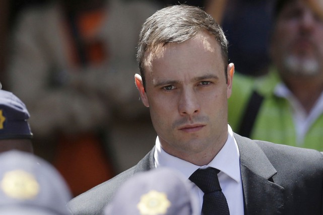 Oscar Pistorius, un athlète olympique qui a abattu... (Associated Press)