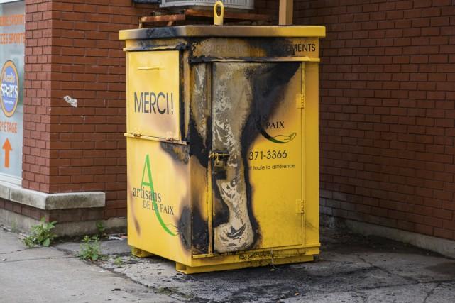 Le suspect aurait incendié un conteneur des Artisans... (Photo: Olivier Croteau)