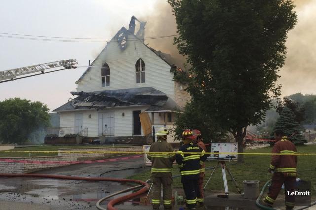 L'église de Saint-Sixte a été détruite par les... (Julien Paquette, Archives LeDroit)