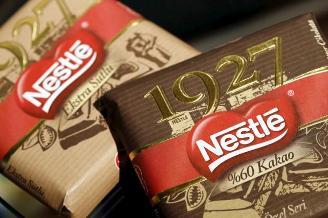 Pour 2015, Nestlé vise désormais une croissance organique... (PHOTO DENIS BALIBOUSE, ARCHIVES REUTERS)