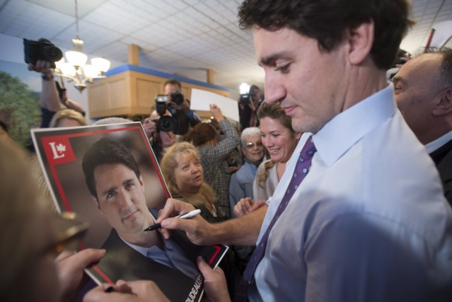 Justin Trudeau était de passage à Laval, jeudi.... (La Presse Canadienne, Paul Chiasson)