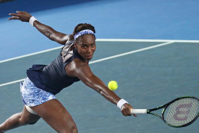 Venus Williamsa accédé aux demi-finales de l'Omnium de... (Photo Kin Cheung, AP)