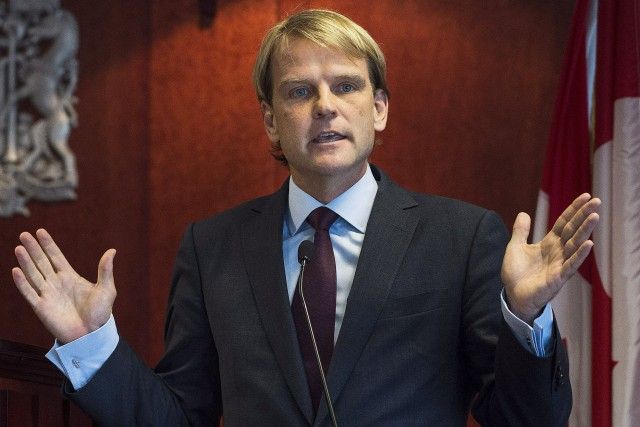 Le 19 septembre, le ministre Chris Alexander annonçait... (PHOTO AARON VINCENT ELKAIM, LA PRESSE CANADIENNE)