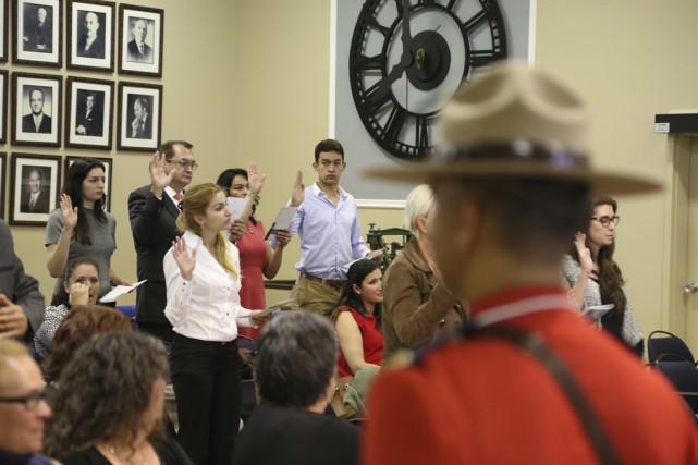 Granby a accueilli 25 nouveaux Canadiens, vendredi matin,... (photo Janick Marois)