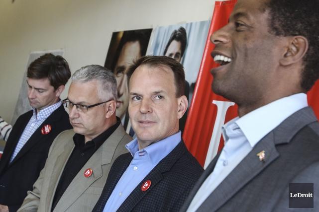 Les candidats libéraux William Amos (Pontiac), Stéphane Lauzon... (Patrick Woodbury, LeDroit)
