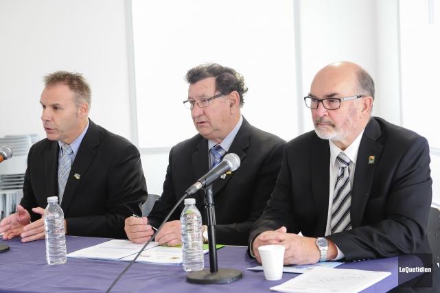 Les trois préfets du Lac-Saint-Jean, André Paradis, Gérard... (Photo Le Quotidien, Gimmy Desbiens)