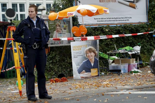 Henriette Reker a été poignardée devant sonstand d'informations.... (PHOTO Wolfgang Rattay, REUTERS)