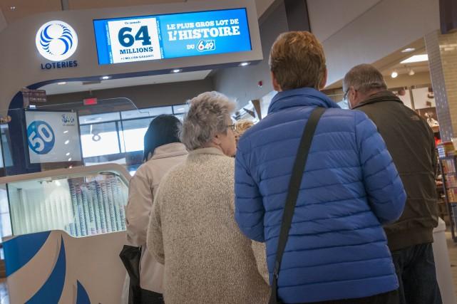 Plusieurs amateurs de loterie espéraient pouvoir dire «Bye... (Photo Le Progrès-Dimanche, Michel Tremblay)