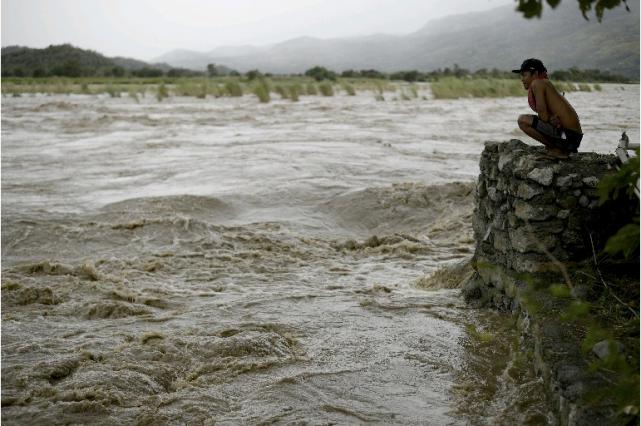 Plus de 23 000 personnes ont dû fuir... (AFP)