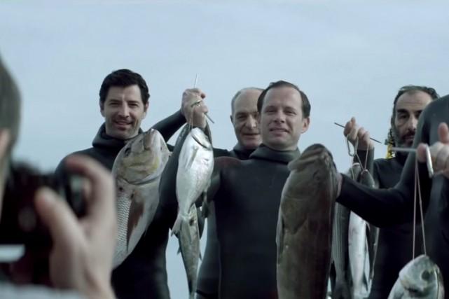 Chevalierraconte l'histoire de six hommes qui se lancent... (IMAGE TIRÉE D'UNE VIDÉO)