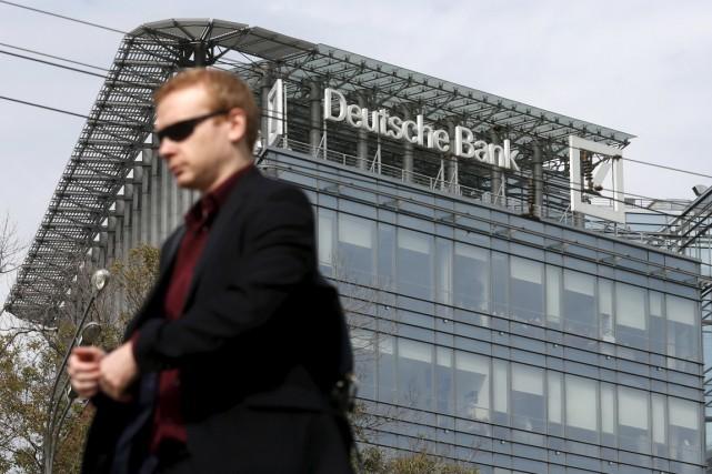 Parmi les grandes refontes, Deutsche Bank a indiqué... (PHOTO MAXIM ZMEYEV, ARCHIVES REUTERS)