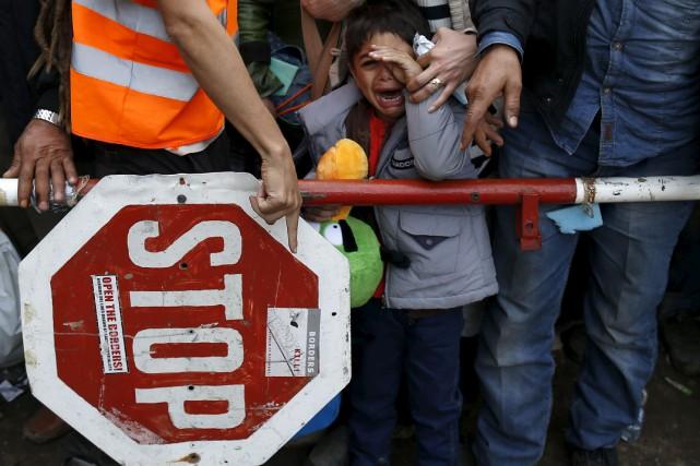 La fermeture de la frontière hongroise est une... (Associated Press)