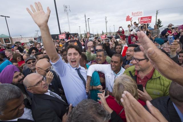 Pour la dernière journée de la campagne électorale,... (Photo La Presse Canadienne, Paul Chiasson)