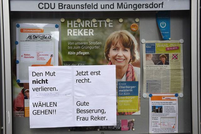 «Ne perdez pas courage. Allez et votez! Prompt... (AFP, Patrik Stollarz)