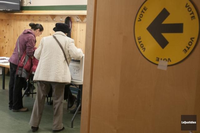 Déjà 25 528 électeurs ont voté dans la... (Archives Le Quotidien, Michel Tremblay)