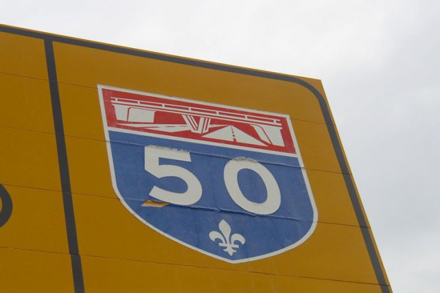 La circulation a été perturbée par le renversement du chargement d'un camion,... (Archives, LeDroit)