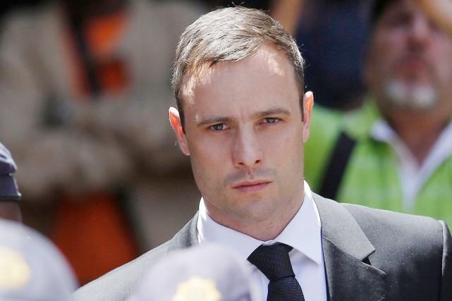 Oscar Pistorius, accusé d'avoir tué sa petite amie... (PHOTO THEMBA HADEBE, ARCHIVES AP)
