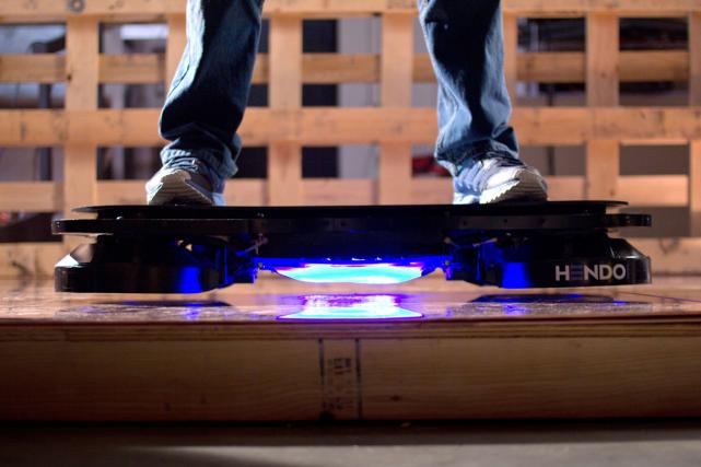 Le hoverboard n'existe pour l'instant qu'au stade de... (Archives, Agence France-Presse)