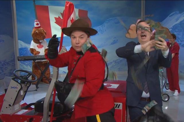 John Oliver, à droite, animateur du talk-show Last... (PHOTO LA PRESSE CANADIENNE)