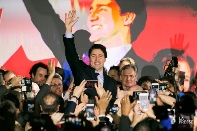 Justin Trudeau célèbre sa victoire, le 19 octobre.... (PHOTO MARTIN TREMBLAY, LA PRESSE)