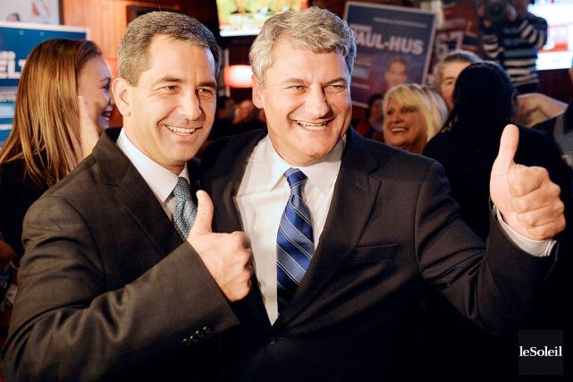 Les nouveaux députés conservateurs Pierre-Paul Hus etGérard Deltell... (Le Soleil, Pascal Ratthé)