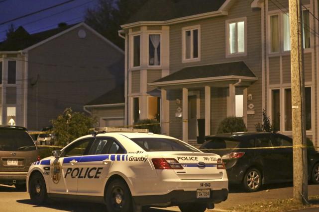 Les corps ont été trouvés dans une résidence... (photo Julie Catudal)