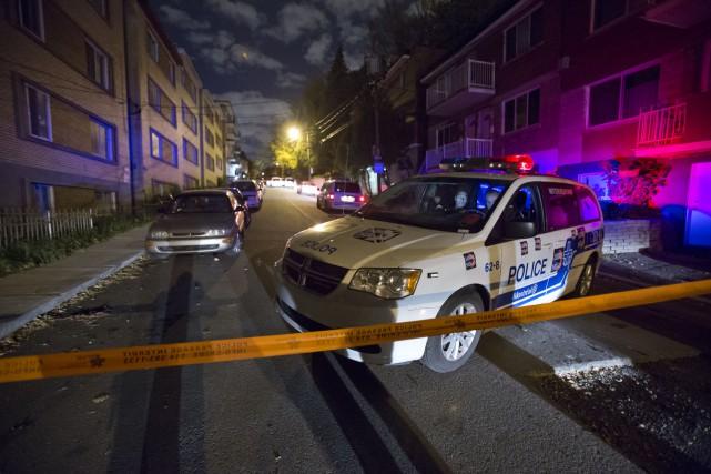 Un jeune homme de 22 ans a été blessé par des coups d'arme blanche qui lui ont... (PHOTO FÉLIX O.J. FOURNIER, COLLABORATION SPECIALE)