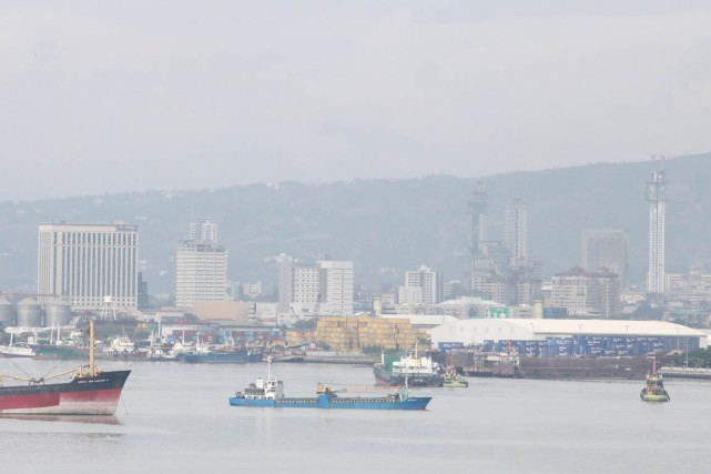 Vue de Cebu, depuis le port de la... (PHOTO CHERYL BALDICANTOS, ARCHIVES AFP)