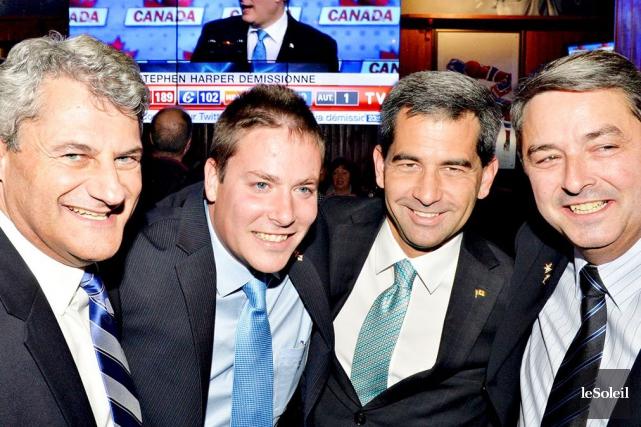 Quatre candidats conservateurs de la région de Québec... (Le Soleil, Pascal Ratthé)
