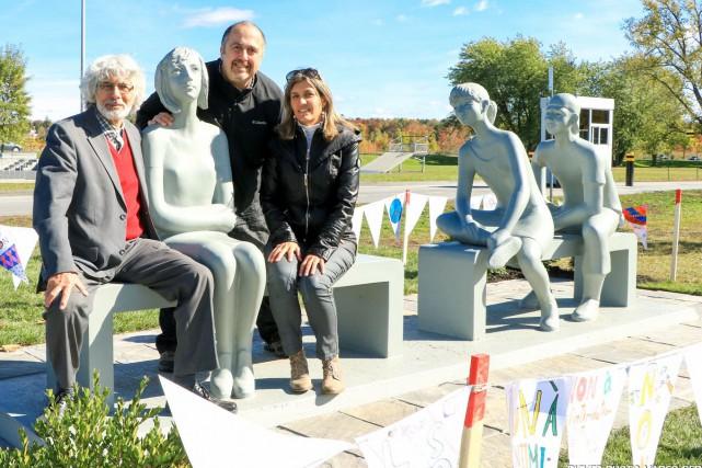 OEuvre du sculpteur Roger Langevin, la sculpture intitulée... (La Tribune, Jean-François Gagnon)