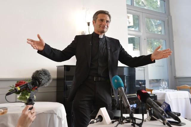La suspension a divinis n'entraîne cependant pas l'excommunication... (PHOTO TIZIANA FABI, AFP)