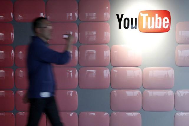 Entièrement gratuite depuis sa création, il y a dix ans, la plateforme de vidéo... (Photo Kiyoshi Ota, Archives Bloomberg)