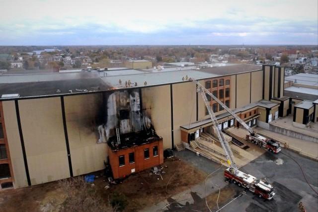 Un incendie a détruit une partie de l'ancienne... (Photo collaboration spéciale Éric Beaupré)