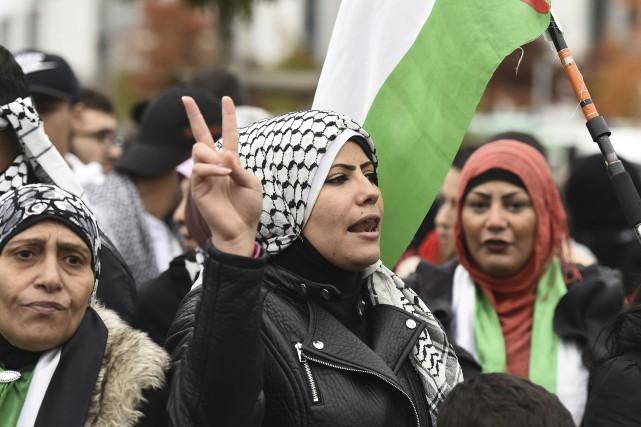 Des manifestants propalestiniens s'étaient réunis mercredi au centre-ville... (AFP, Tobias Schwartz)