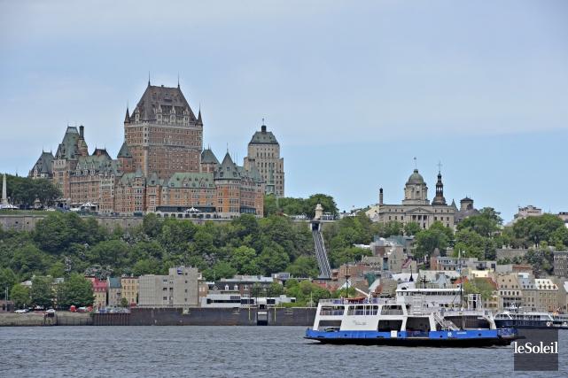 La traverse de Québec-Lévis est paralysée depuis le... (Photothèque Le Soleil, Pascal Ratthé)