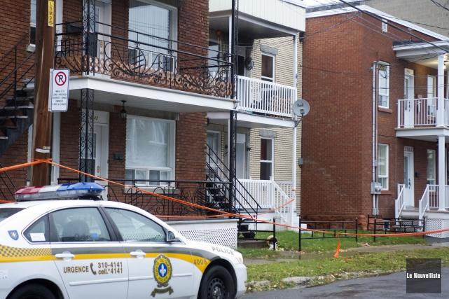 Un incendie jugé suspect a sérieusement endommagé six logements d'immeubles en... (Stéphane Lessard Le Nouvelliste)