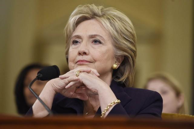 Hillary Clinton témoigne devant la commission spécialedu Congrès... (PHOTO SAUL LOEB, ARCHIVES AFP)