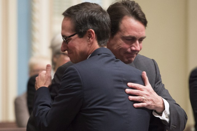Stéphane Bédard et Pierre Karl Péladeau... (PHOTO JACQUES BOISSINOT, LA PRESSE CANADIENNE)
