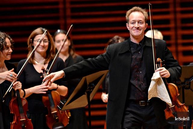 La direction du violoniste britannique Anthony Marwood, mélange... (Le Soleil, Patrice Laroche)