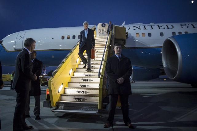 Le secrétaire d'État américain John Kerry à son... (PHOTO CARLO ALLEGRI, REUTERS)