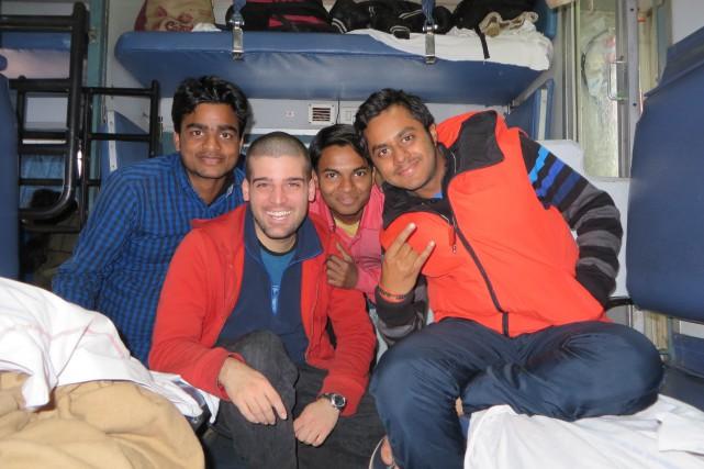 Ces trois jeunes Indiens, qui sont devenus des... (La Tribune, Jonathan Custeau)