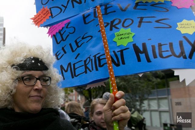 Les professeurs dénoncent la médiocrité qui afflige le... (La Presse)
