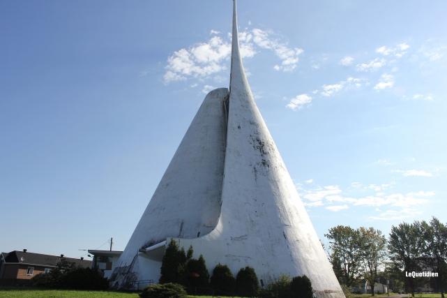 L'église Notre-Dame-de-Fatima de Jonquière sera bientôt démolie.... (Archives Le Quotidien)