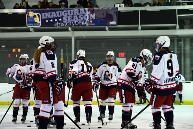 L'histoire du hockey professionnel féminin à New York... (PHOTO JEWEL SAMAD, AFP)