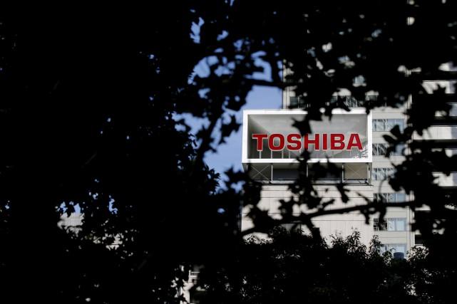 Le conglomérat industriel japonais Toshiba, aux prises avec un scandale sur des... (PHOTO TORU HANAI, ARCHIVES REUTERS)