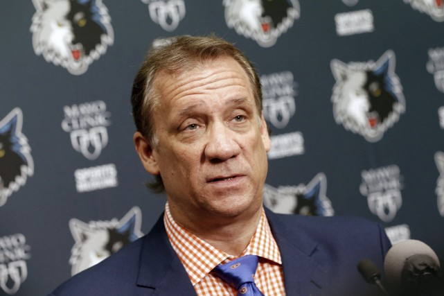 Flip Saunders... (PHOTO ARCHIVES AP)
