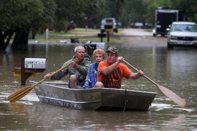 Plus de 30 centimètres de pluie sont tombés... (Photo Jerry Larson, AP)